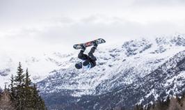 Sean Esson snowboarding